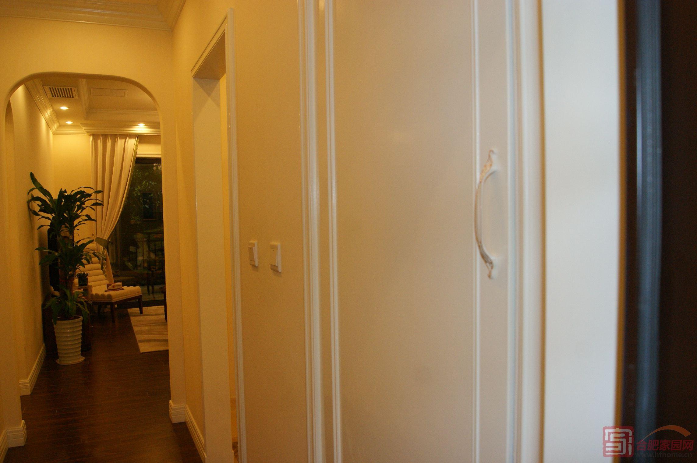 卡芬达欧式红木玄关